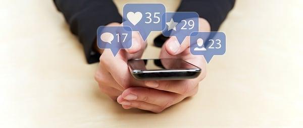BS Hands-phones social media icons